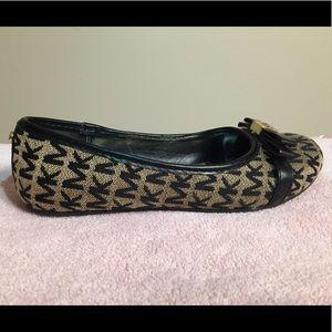 Girls shoes
